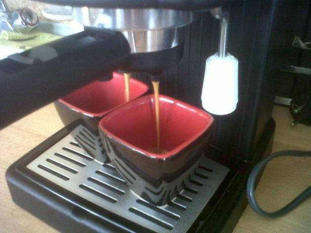 Napustíme cca. 100 až 120ml kávy